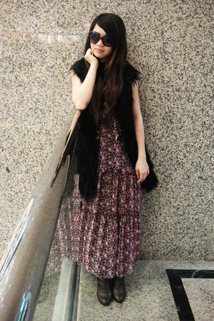 brown vintage boots - bubble gum maxi vintage dress