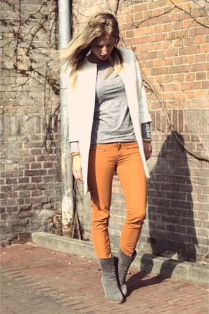 mustard Zara jeans - white Zara coat - silver COS shirt