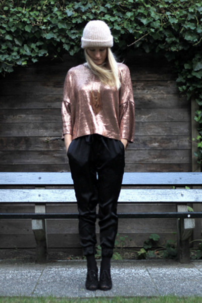 bronze Zara sweater - knitted 2nd Hand hat - silk Zara pants