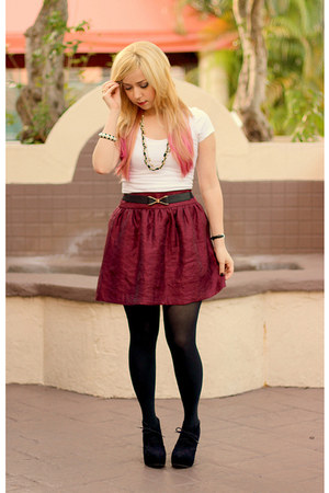 maroon Charlotte Russe skirt - black Express tights - off white t-shirt