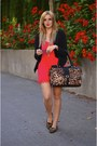 Black-blazer-similar-jacket-brown-leopard-print-aldo-bag