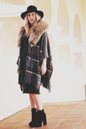 beige vintage scarf - black Dolce Vita boots - charcoal gray Quiksilver dress