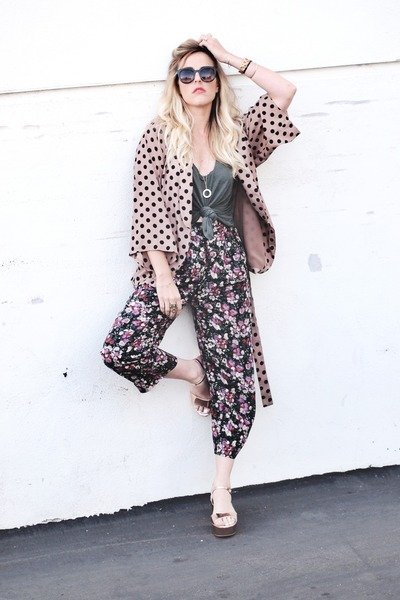 coral Line & Dot blazer - army green Crossroads Find top - neutral lulus sandals