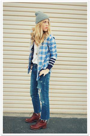 beige QSW top - brown vintage boots - blue vintage jeans