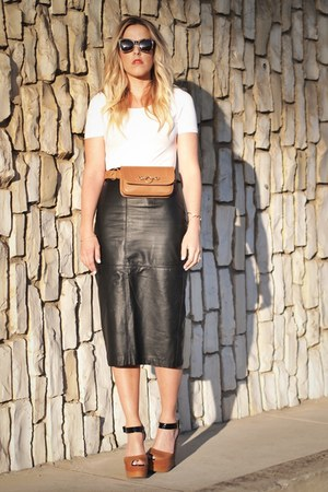 brown Hipsters for sisters bag - black thrifted skirt - white H&amp;M top