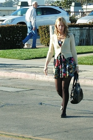 vintage sweater - vintage dress - Steve Madden shoes