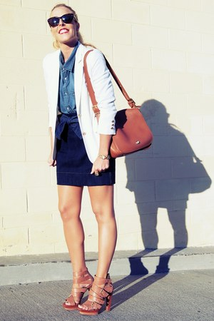 brown rachel rachel roy sandals - white vintage blazer - brown coach bag