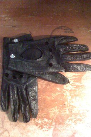 unknown brand gloves
