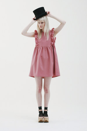 tan THE WHITEPEPPER shoes - pink THE WHITEPEPPER dress