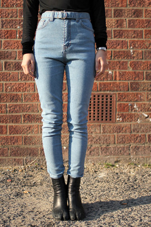 light blue high waisted THE WHITEPEPPER jeans