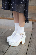 White-leather-sandals-the-whitepepper-sandals