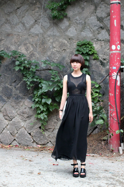 black chiffon THE WHITEPEPPER dress