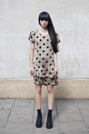 THE WHITEPEPPER dress