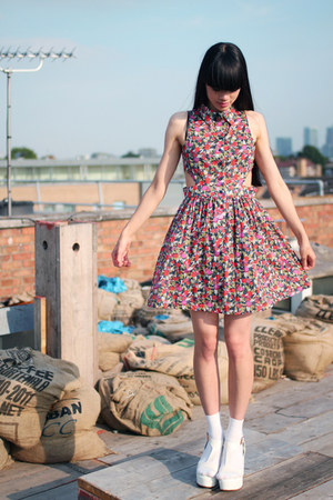 THE WHITEPEPPER dress