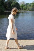 White-the-whitepper-dress