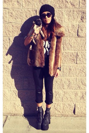 black leggings - brown faux fur unknown brand vest - black leather heels