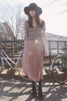 light pink Monki skirt - heather gray H&M cardigan - black vintage necklace
