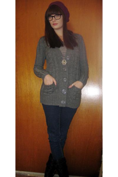 heather gray Forever 21 cardigan - black shirt - BDG jeans - black Steve Madden