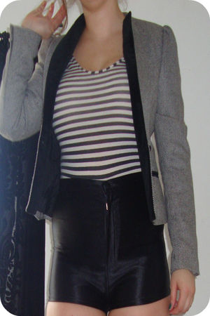 black Striped Leotard t-shirt - gray vintage jacket