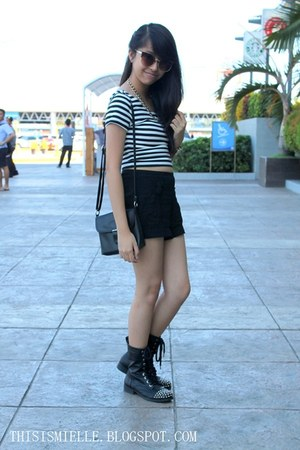 studded H&M boots - highwaisted Forever 21 shorts