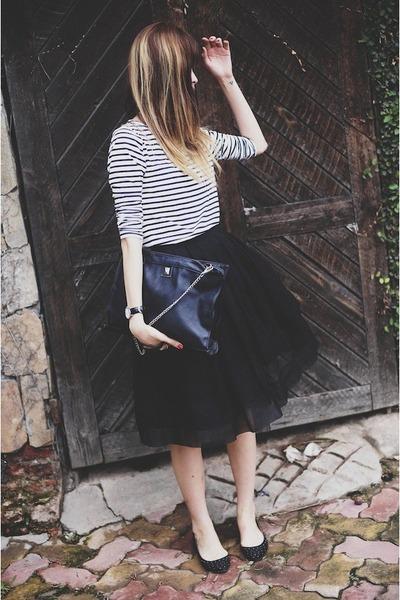 black bag - black skirt