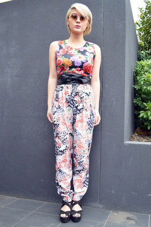 red floral print Boohoo top - black obi asos belt - floral print asos pants