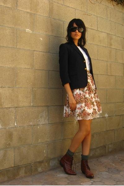 white crochet front vintage blouse - brown vintage shoes