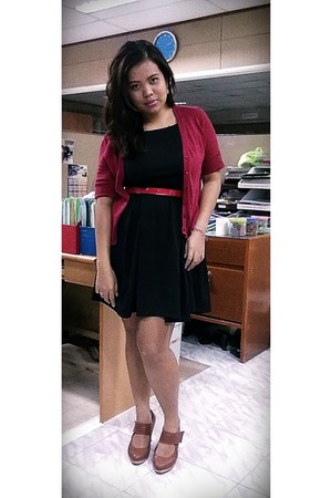 brown pumps pumps - thrifted lbd dress - cardigan