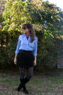 Toms-boots-black-skirt-blouse-scarf-tights