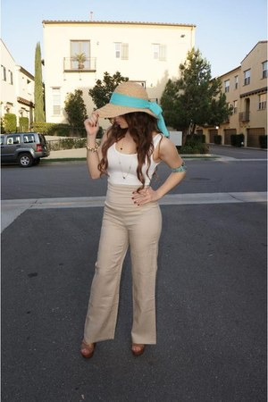 beach hat - Chinese Laundry wedges - stretch top - linen khaki pants