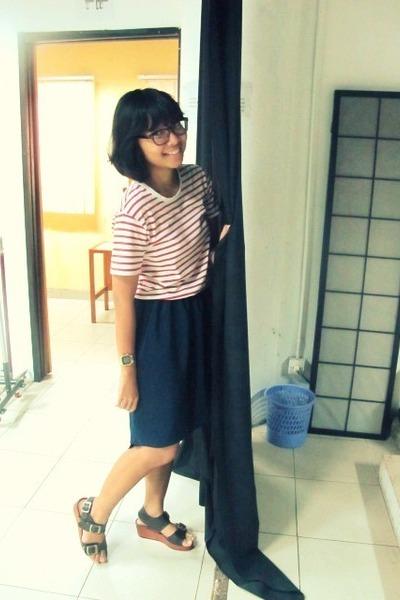 navy asymmetric skirt - red stripes t-shirt - brown sandals