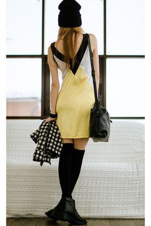 yellow Zealotriescom dress - black Zealotriescom bag
