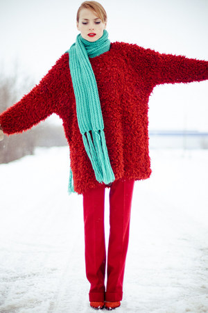 brick red Ecugo dress - aquamarine H&M scarf