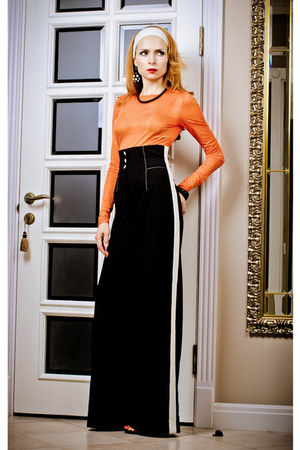 black Marika pants - orange Marika top