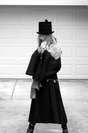 hat - boots - dress - accessories - belt