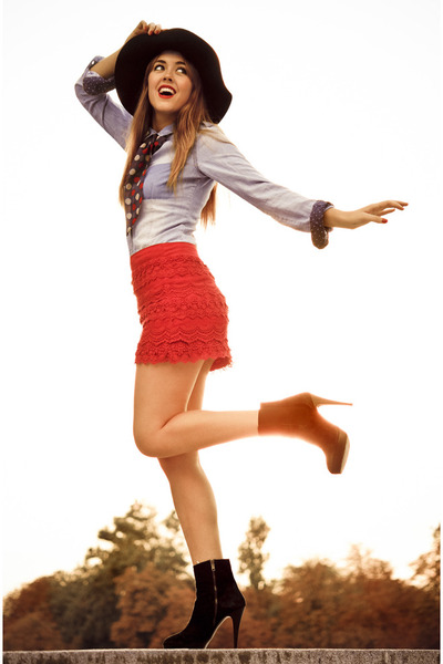 BLANCO skirt - Zara boots - H&M hat - Zara shirt