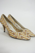  Vintage 70s Woven Leather Pumps Size 7.5