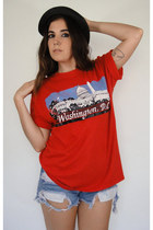 Vintage Red Washington DC Tourist Tee