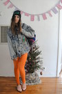 carrot orange vintage leggings - black creep beanie hat