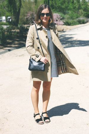 navy APC dress - tan Burberry coat - navy Celine bag - black ray-ban sunglasses