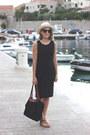 Black-gap-dress-eggshell-jcrew-hat-black-longchamp-bag