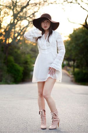 vintage dress - brown hat - pink kimchi &amp; blue boots
