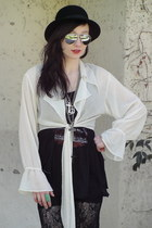 black bowler vintage hat - black lace pants - black Forever 21 top - off white T
