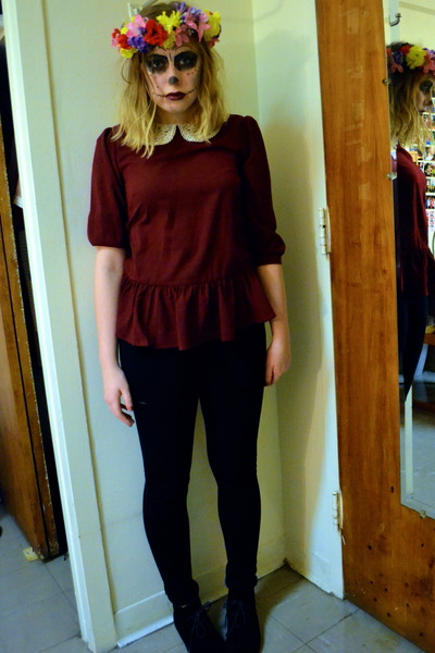 black Steve Madden boots - black la bijou pants - maroon One Clothing top