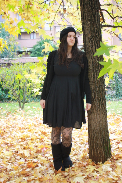 black basco H&M hat - black ugg Ugg shoes - black vintage dress