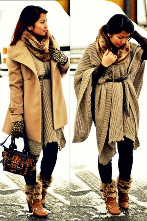 faux fur Urban Outfitters scarf - knitted Urban Outfitters cape