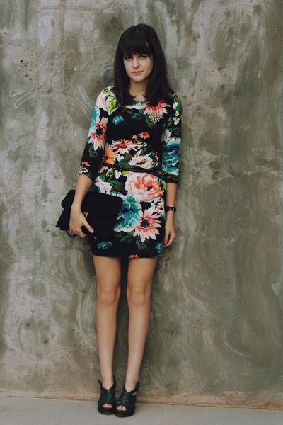 Black-floral-h-m-dress-black-lace-clutch-jason-wu-for-target-purse_400