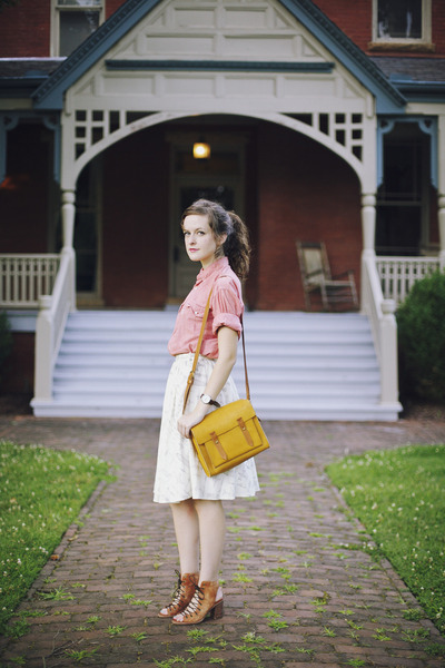 mustard satchel madewell bag - salmon vintage Levis shirt - white printed skirt