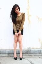 black accessories - gold top - black skirt - black - shoes