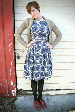 brown madewell shoes - periwinkle vintage dress - camel modcloth cardigan